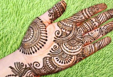 Simple and Easy Arabic Mehndi Design