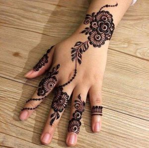 simple and beautiful mehndi design