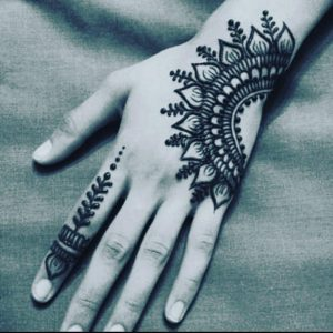 simple henna mehndi designs for hands
