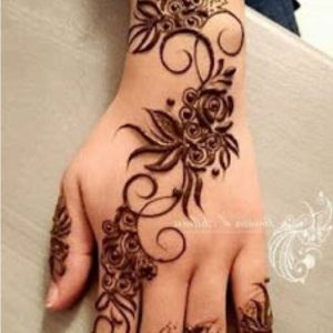 very simple mehndi design for back hand